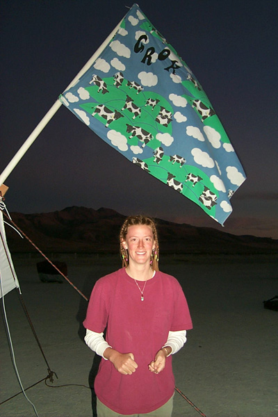 http://jon.luini.com/images/bman99/P0000501-steph_flag.jpg